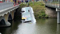 Lijnbus rijdt in water in Brugge: hulpdiensten massaal ter plaatse