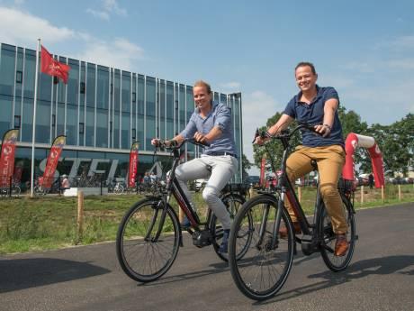 Oorlog in e-bikeland? 'Stella en Amslod doen aan Amerikaans wedstrijdje ver pissen'