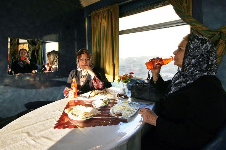 Kennismaken met de lokale bevolking? Boek eens een meerdaagse treinreis Beeld Sander Groen
