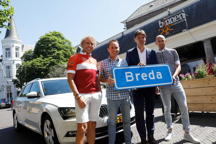 Michael Boogerd, Bart Nolles, burgemeester Paul Depla van Breda en Stef Clement tijdens de presentatie van RTL Tour du Jour.