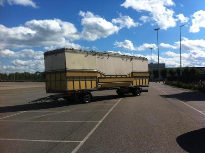 De achtergelaten truck bij de Brabanthallen, afgelopen september.