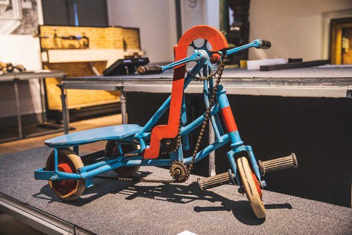 Expo Ondergronds in het STAM: een fiets waarmee het rioleringsstelsel gecontroleerd werd.