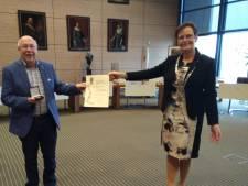 Vosmeerder Kees de Koning onderscheiden met gemeentelijke erepenning