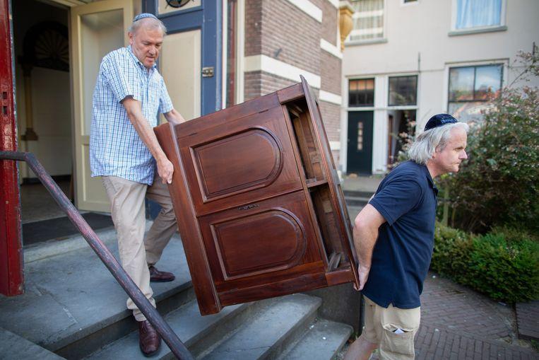 De Grote Synagoge in Deventer wordt ontruimd. Beth Shoshanna, de joodse gemeenschap die er jaren diensten vierde, huist nu in Raalte. Beeld Herman Engbers