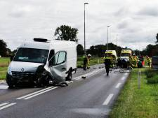 Gewonde bij frontale botsing op Liemersweg in Doetinchem