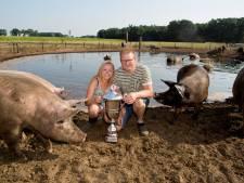 Koen en Melissa uit Hancate hebben de mooiste modderpoel van Nederland