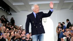 Ralph Lauren wordt geridderd door Queen Elizabeth