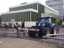 Boze boeren verlaten provinciehuis Utrecht