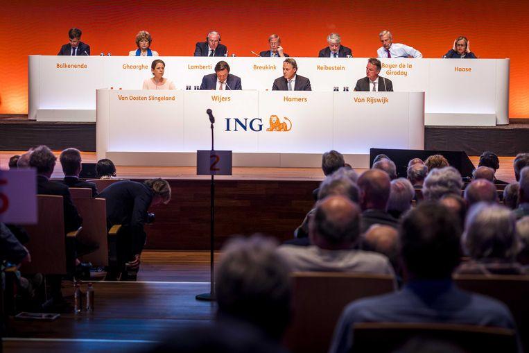 Bestuurders en commissarissen van ING aan het begin van de aandeelhoudersvergadering van ING. Beeld ANP