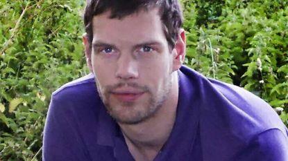 """""""Als ik jou niet mag hebben, dan niemand"""": Mark overleden na fatale zuuraanval"""
