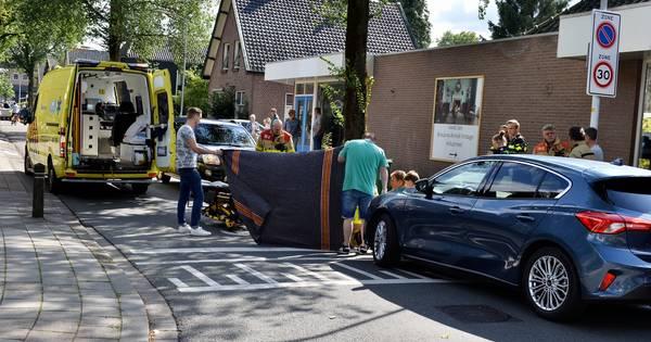 Voetgangster naar ziekenhuis na ongeval in Vaassen.