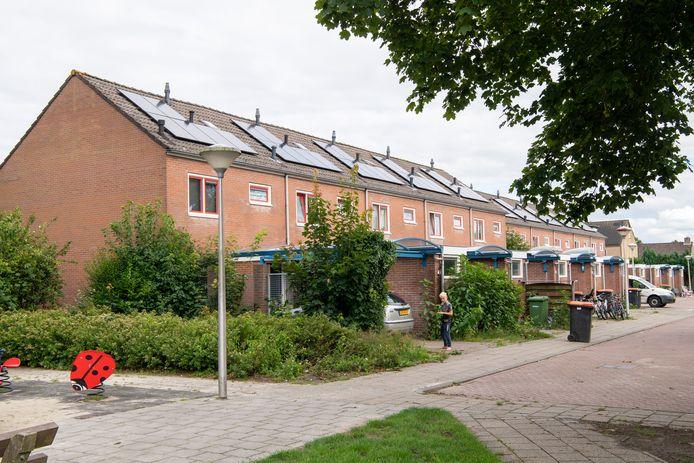 De bewoners van het Plevierplein in Nieuwleusen kunnen nog steeds niet bevatten wat er in hun wijk gebeurd is.