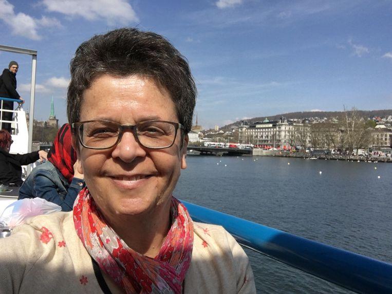 Monique Sijstermans (56) moet langer wachten op de aanleg van een stoma. Haar darmen functioneren uiterst gebrekkig.  Beeld