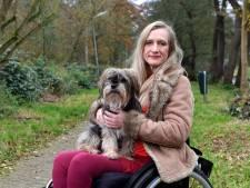 Tessa (51) zamelt na dwarslaesie geld in voor rolstoel busje: 'Help me mijn vrijheid te behouden'