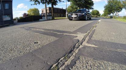 Herstelling betonplaten op de N8 van Oudenaarde naar Kluisbergen zal een maand duren