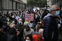 Vandaag laten demonstranten hun stem horen tegen de sluiting van cafés en restaurants in Marseille.
