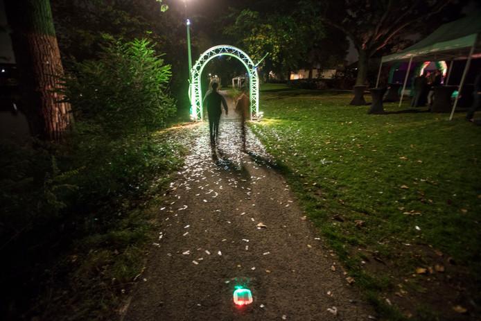 Nieuwe verlichting bij vijver in Eindhovense wijk Eckart: \'nog wat ...