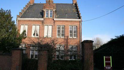 Verkoop pastorij van Daknam gaat door: rechtbank oordeelt dat stad eigenaar is