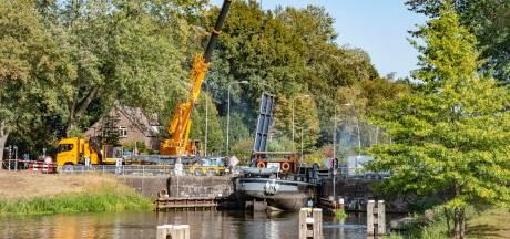 Brug Haghorst ontmanteld: scheepvaart maandag op gang, autoverkeer zondagavond
