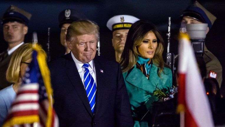 President Trump en first lady Melania komen aan in Warschau. Beeld AFP