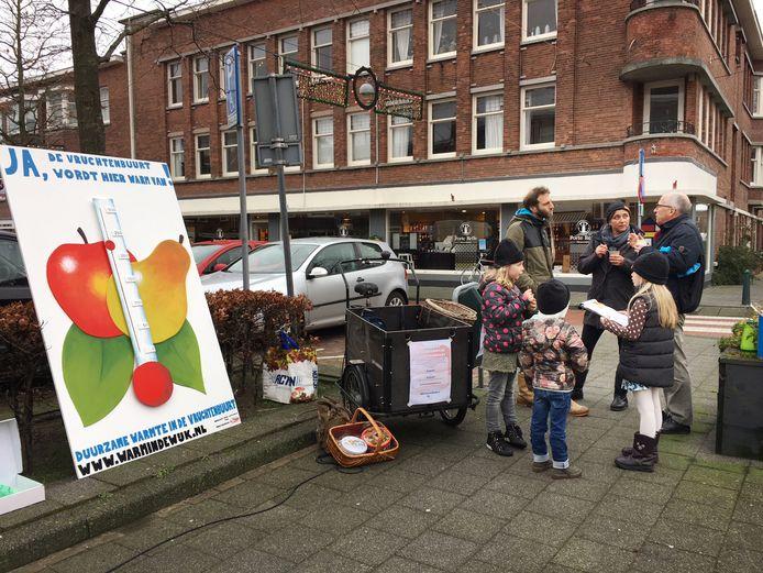 Promotie voor duurzame warmte in de Vruchtenbuurt in Den Haag.