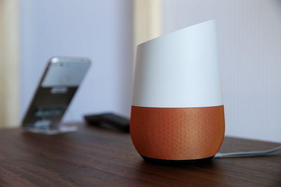 Google Home, de slimme speaker waarmee je Google Assistent kan aanspreken.