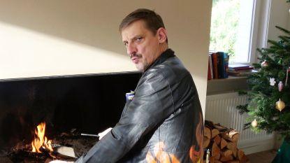 Opgelet fans: je kan het jasje van Vronsky uit 'Tabula Rasa' nu écht kopen, en het is voor het goede doel