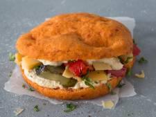 Deze kleurige broodjes bestaan voor een derde uit groente