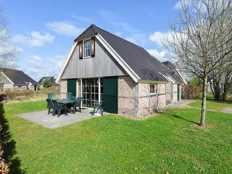 Brabantse huisjes landen op uitdijend recreatiepark De Heidebloem in Schaijk