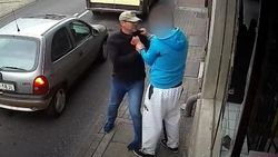 VIDEO: Knullige crimineel geveld door instant karma