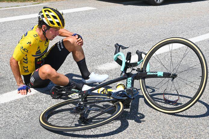 Primoz Roglic na zijn val in de  Dauphiné.