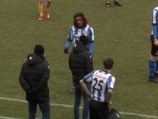 Quick Boys-speler Teijsse krijgt ruzie met assistent Kuyt en loopt weg