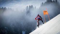 VIDEO: Mountainbiker raast met meer dan 100 km/u van skipiste