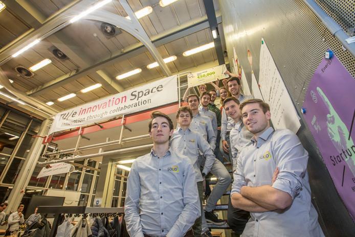 Team SOLID van de TU/e met Tim Spee (rechts voor) en Luc Brinkman (links voor).