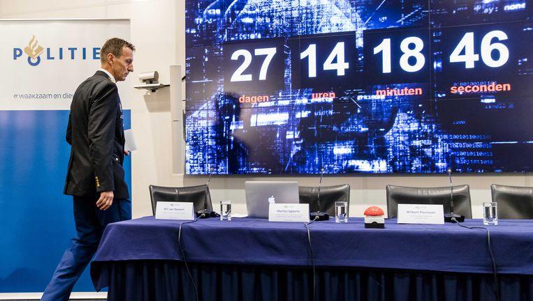 Wilbert Paulissen, hoofd Landelijke Recherche, geeft een toelichting over een groot internationaal onderzoek dat heeft plaatsgevonden op het darkweb. Beeld anp