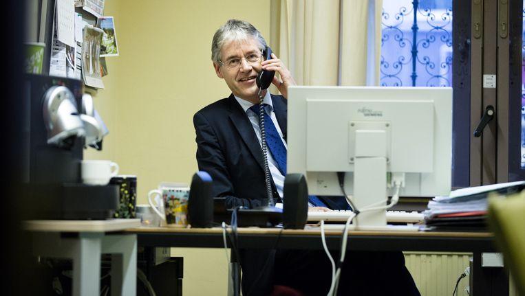 Arie Slob in zijn werkkamer Beeld anp
