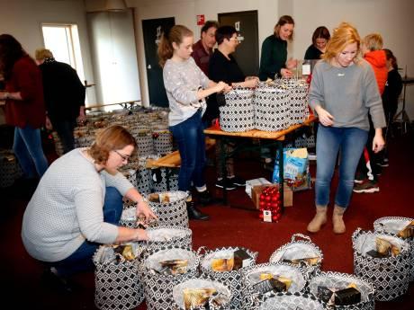 Sleeuwijkse kerk deelt kerstpakketten uit aan inwoners die een hart onder de riem kunnen gebruiken