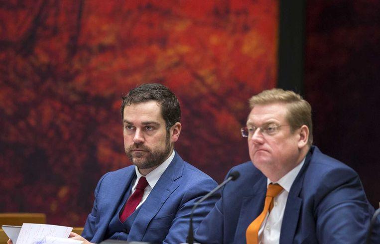 De bewindslieden van Veiligheid en Justitie: staatssecretaris Klaas Dijkhoff en minister Ard van der Steur . Beeld anp