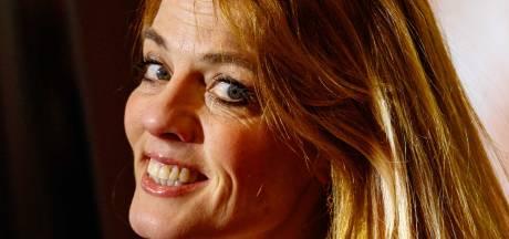 Juf Ank uit Luizenmoeder heeft zelf hoofdluis: Ik zit enorm te krabben