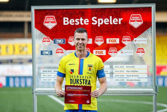 Cambuur-spits Robert Mühren werd verkozen tot beste speler in oktober.