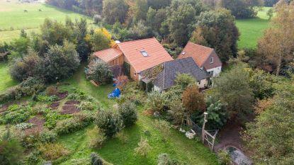 Zo bouwde vader van 'spookgezin' negen jaar lang aan zijn spirituele centrum in Ruinerwold: een bijzonder inkijkje