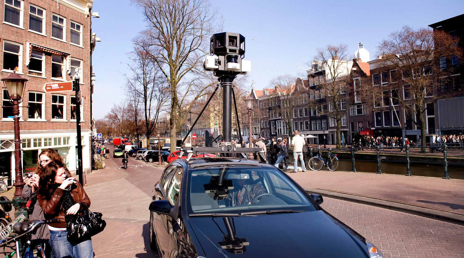 Auto's van Google gaan het komende jaar de luchtkwaliteit in Amsterdam meten