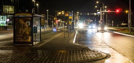 Veel vrouwen voelen zich onveilig op donker busstation in Grave: 'Echt een heel nare ervaring'