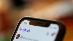 Bizarre bug zet camera op iPhone aan terwijl gebruiker door Facebook bladert