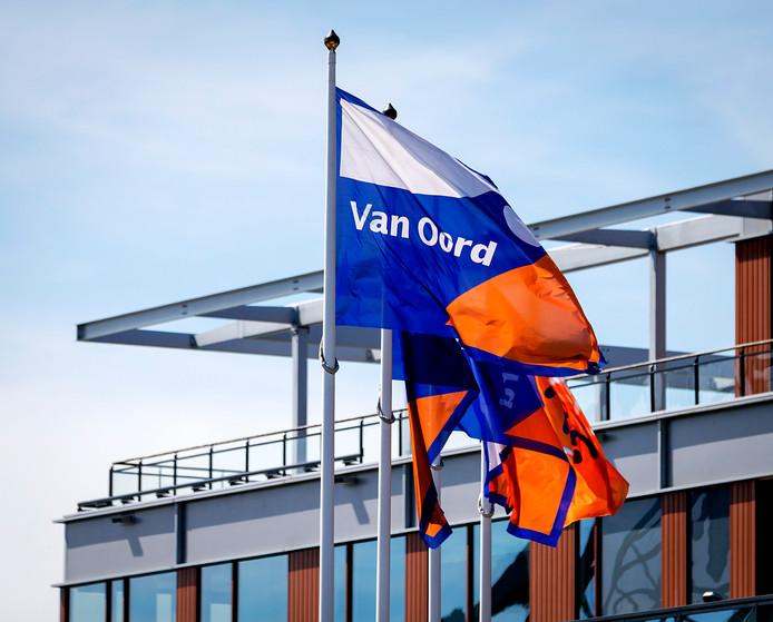 Bedrijfsvlag van baggeraar Van Oord.