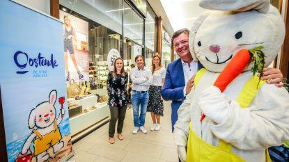 Kinderheld Rikki viert 20ste verjaardag in Oostende met meet & greet, wortellopen en voorleesmomenten