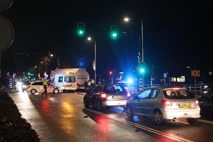 Verkeerschaos in Emmeloord, nadat een truck over een kinderfietsje is gereden.