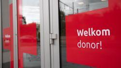 klacht-tegen-rode-kruis-omdat-vrouw-geen-plasma-mag-doneren-voor-coronastudie