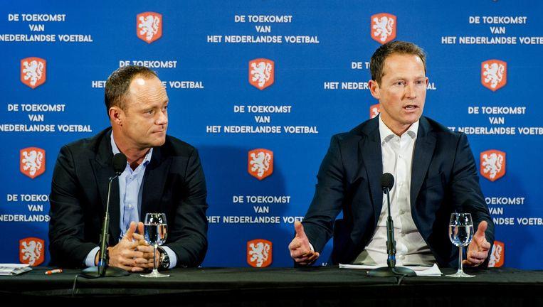 Jelle Goes (R) en KNVB-directeur Bert van Oostveen. Beeld anp