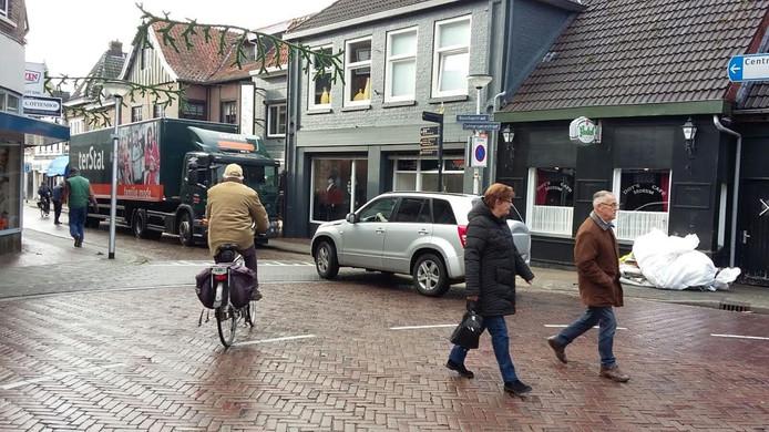 De splitsing van de Molenstraat met de Bisschopstraat.